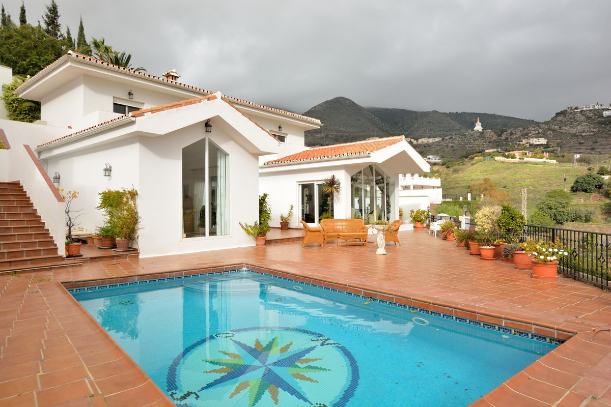 """This luxury villa is situated in the very popular urbanisation  """"La Capellania"""" in Benalmadena Costa,Spain"""