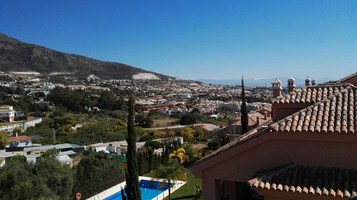 Fantastic detached townhouse of corner, it has excellent sea views and also views to the mountains, , Spain