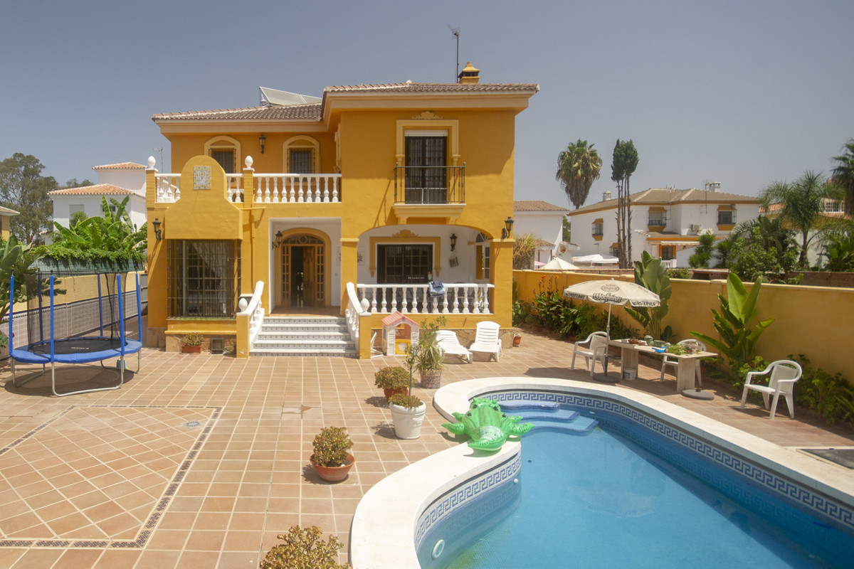 Attractively designed this classic beachside villa is the perfect investment for Villa Holiday Renta, Spain