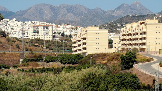 Duplex Apartment located in Torrox Costa, just five minutes from the beach.  Distributed over three , Spain