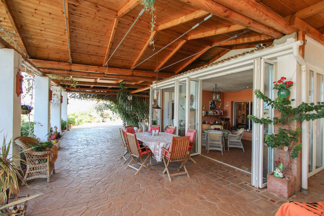A luxurious hideaway with gorgeous views - yes, that exists.   Privacy and comfort, tranquility and ,Spain