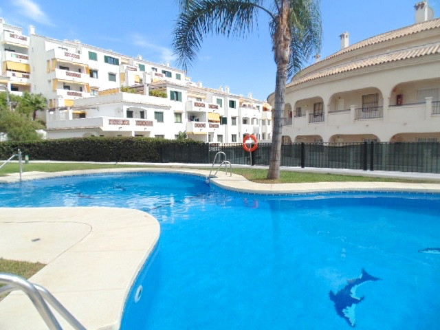 Torrequebrada area of Benalmadena Costa - Walking distance to the beach and amenities - furniture in, Spain