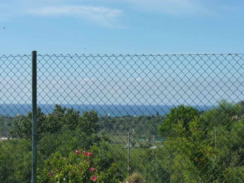 A fantastic plot of land for building your ideal villa within an established urbanisation of neighbo, Spain