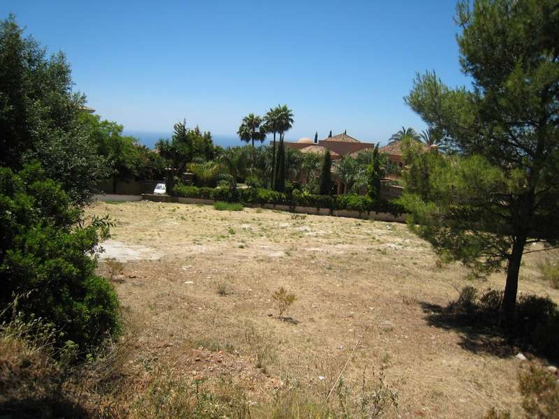 Plot in Elviria with solid and urban ground. Building permission and existing allotment plan.,Spain