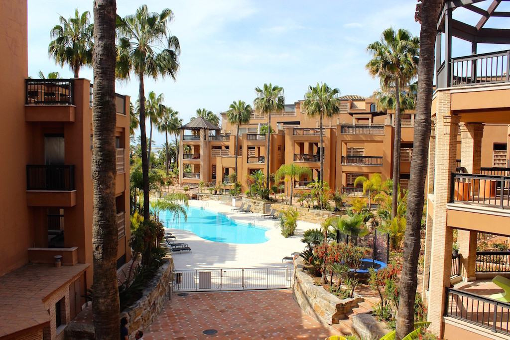 Beachfront 2 bedrooms, 2 bathrooms luxury apartment. Spacious living room, with direct access to the, Spain