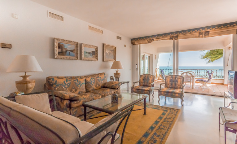 CASTILLO SAN CARLOS: Beautiful apartment with 2 bathrooms, one en suite, located on the frontline be, Spain
