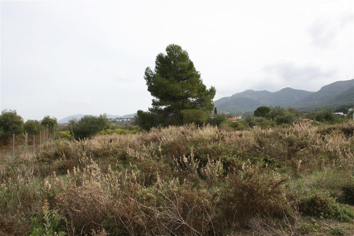 Residential plot located in one of the best urbanisations on the outskirts of Alhaurin el Grande. Ve,Spain