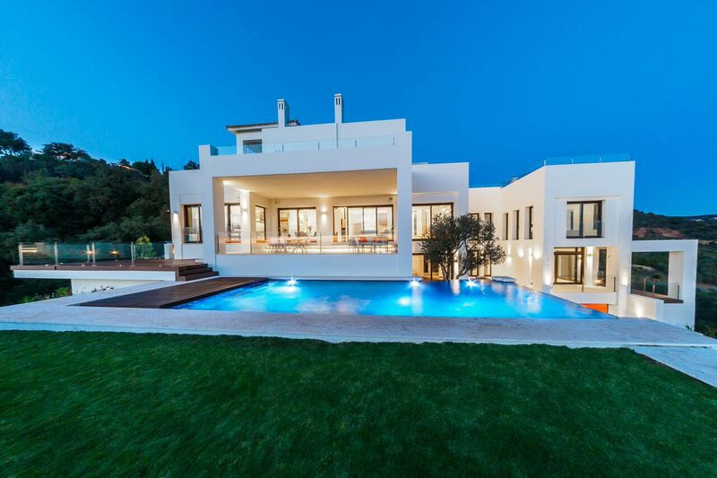 Seen from all aspects, this is probably the best top quality modern contemporary property currently ,Spain