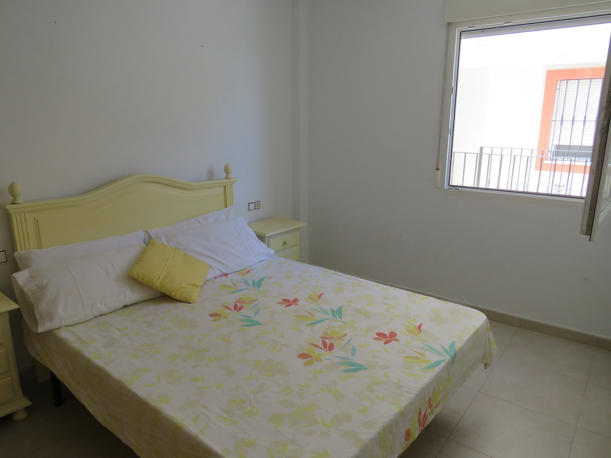 A modern fully furnished 2 bedroom apartment in Mutxamel. This apartment is situated just 20 minutes,Spain