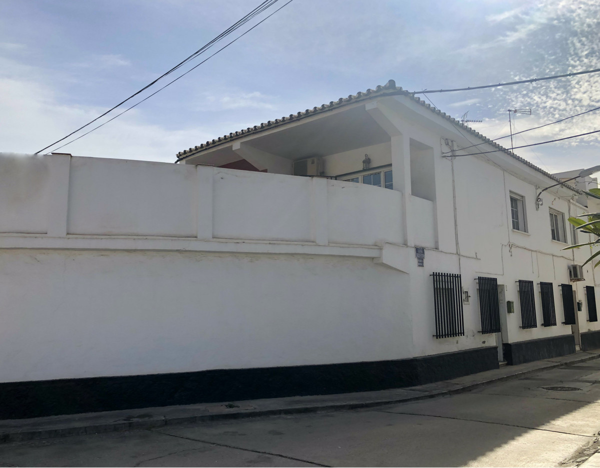 Village house with garage completely renovated and just 50 m from the beach, second line. A house on, Spain