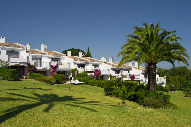 JUST REDUCED BY 10,000�, 2 BEDROOM IMMACULATE TOWNHOUSE, 2 BEDROOM  FRONTLINE GOLF OVERLOOKING THE 1,Spain