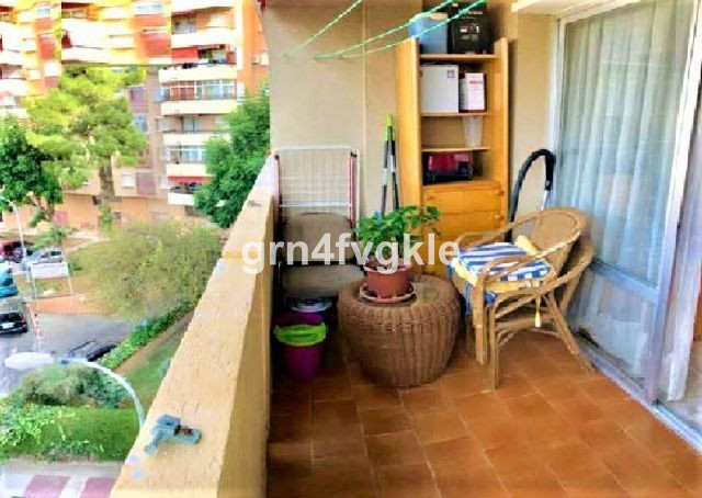 3 bedroom apartment, 1 bathroom with exterior window, kitchen, terrace overlooking the bay of Malaga, Spain