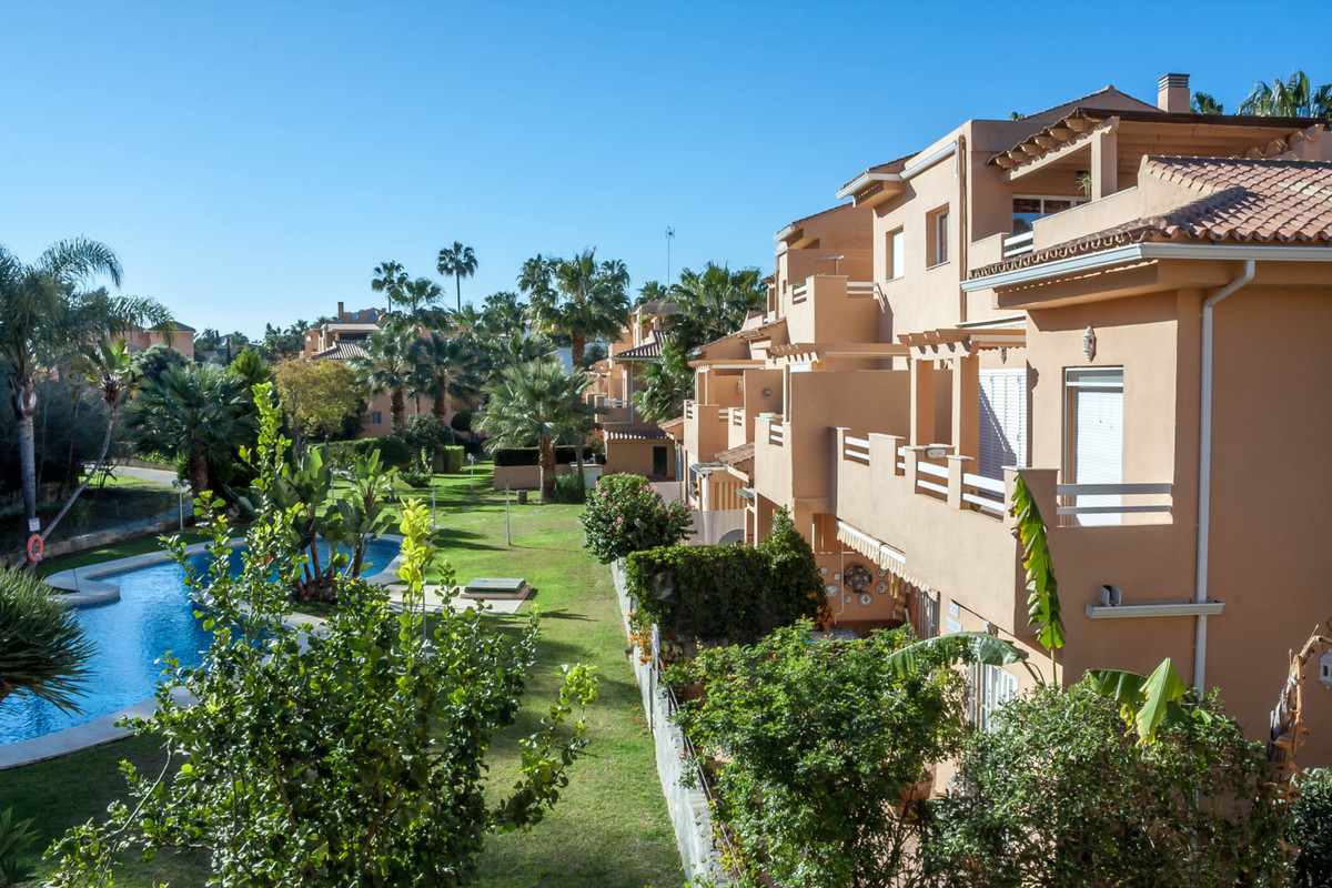 Right on the beach in Cabopino/Artola 3 bed apartment West Facing, Bright,walking distance to Cabopi,Spain
