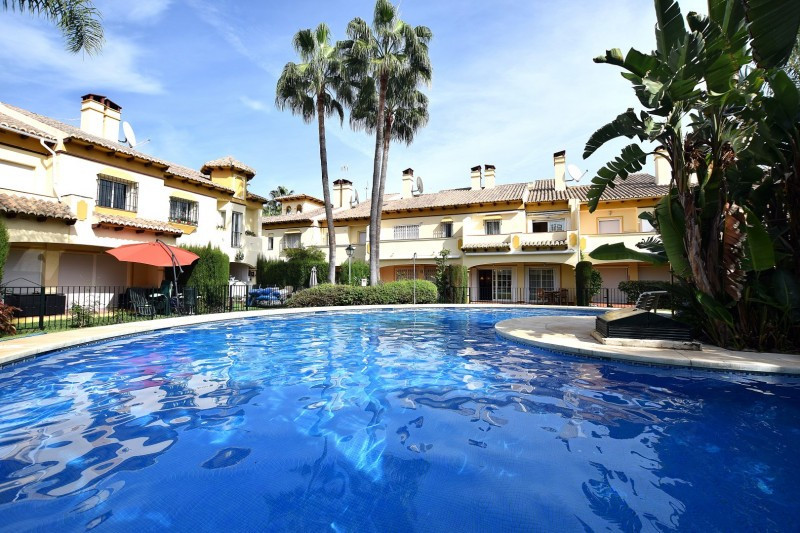 Extremely well presented townhouse in el Lago, Azalea Beach, a small gated beachside urbanisation of, Spain