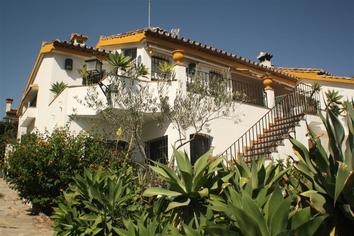 MAGNIFICENT VILLA IN MARBELLA, !!!  Fabulous villa in a magnificent residential area of Marbella tha, Spain