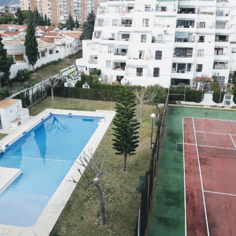 Bright apartment with total south orientation, very spacious, 130 meters built, 2  terraces. It is d, Spain