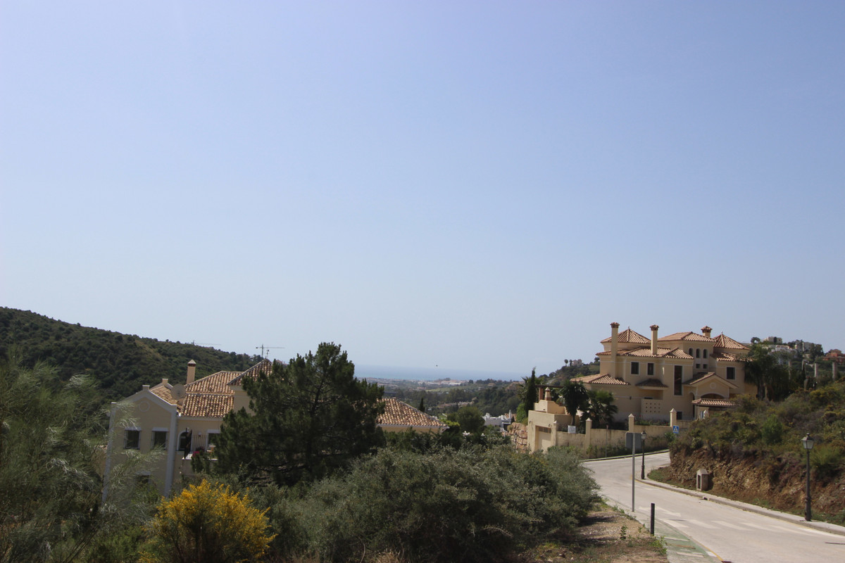 Very interesting plot for sale in Lomas De La Quinta within 5 minute drive to Puerto Banus and the b,Spain