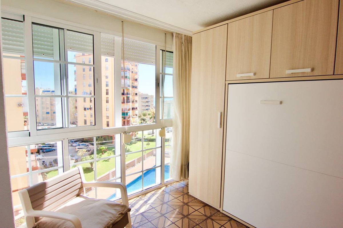 Middle Floor Studio, Playamar, Costa del Sol. Built 21 m².  Setting : Beachfront, Commercial Area, B, Spain
