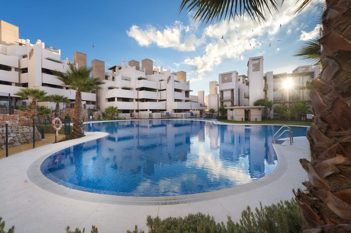 Middle Floor Apartment, Estepona, Costa del Sol. 1 Bedroom, 1 Bathroom, Built 72 m², Terrace 36 m². , Spain