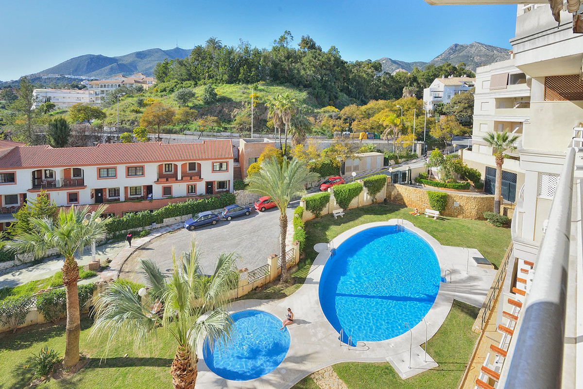 Fantastic apartment with a wide living-dining room with direct exit to the terrace, renewed fitted k, Spain