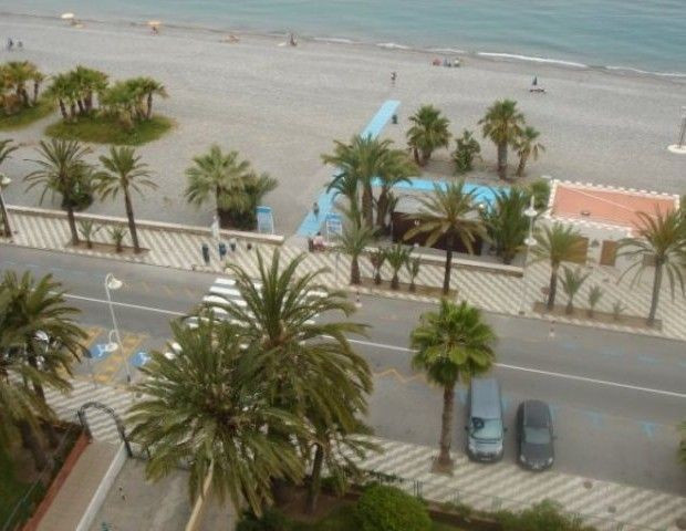 This 10th floor, front line to the beach apartment in Almunecar, comprises Lounge/diner, kitchen, 2 , Spain