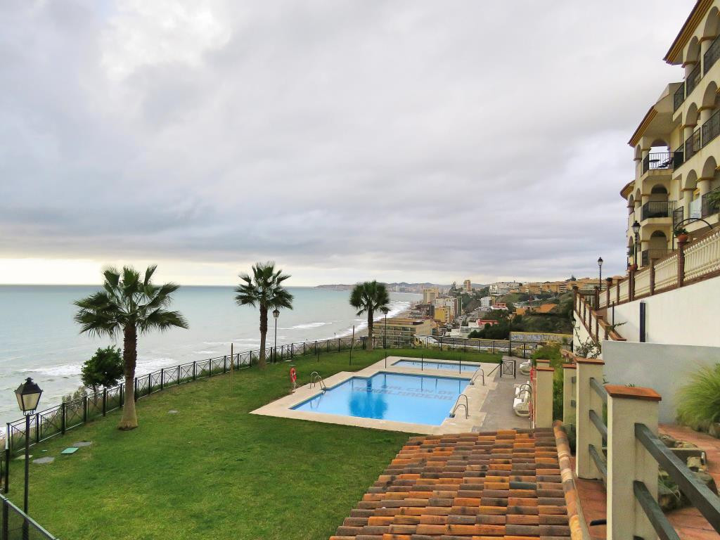 Nice apartment with wonderful view over the sea in Benalmadena. With 61sqm of living area (87sqm bui, Spain