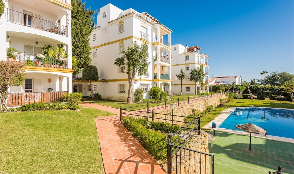 Huge apartment next to Mall with all services and good communication bus  and taxis stop.  Just 1o m,Spain