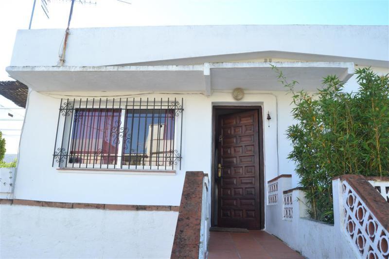Apartamento de 1 dormitorio 1 bano en el centro de Elviria, cerda de tienda, supermercados, bares, c,Spain