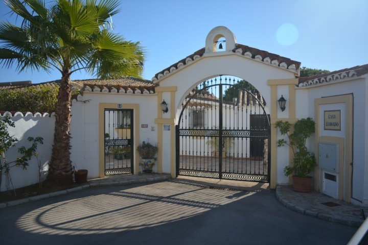 Immaculate south-facing Villa in a private cul-de-sac, situated in an exclusive sought after area in,Spain