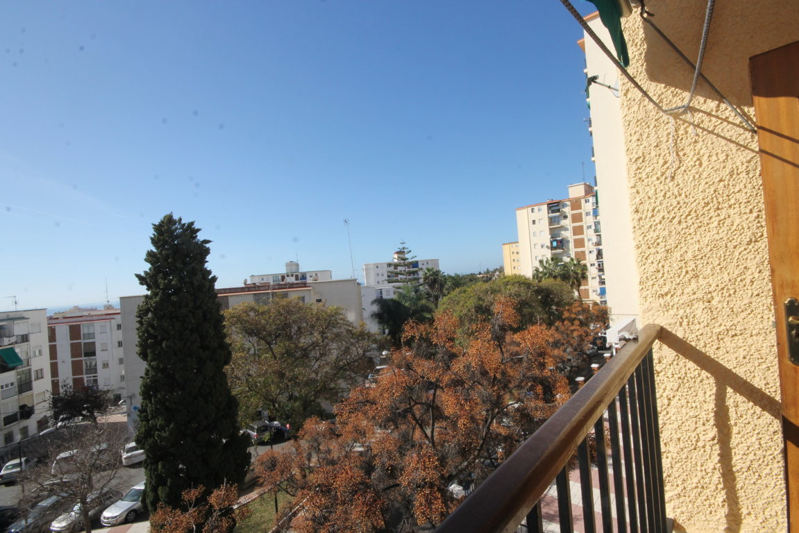 3 bedroom apartment in a central location  Apartment in neighborhood of Miraflores, excellent locati,Spain