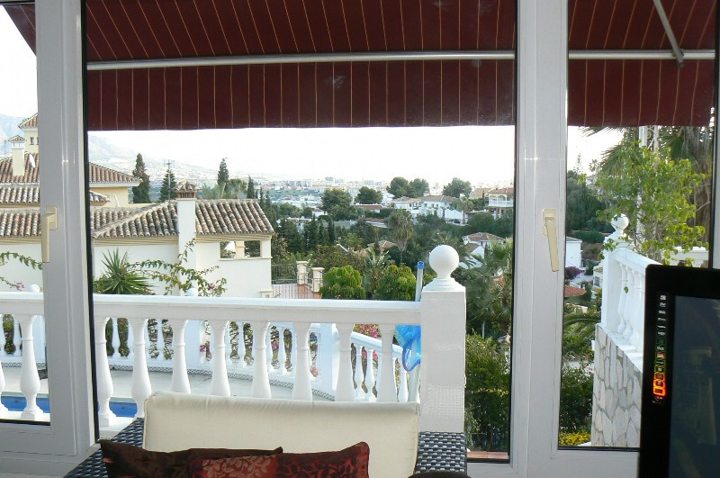 Very nice villa close in Cerros del Aguila for the big familie. Three nice bedrooms, guest apartment,Spain