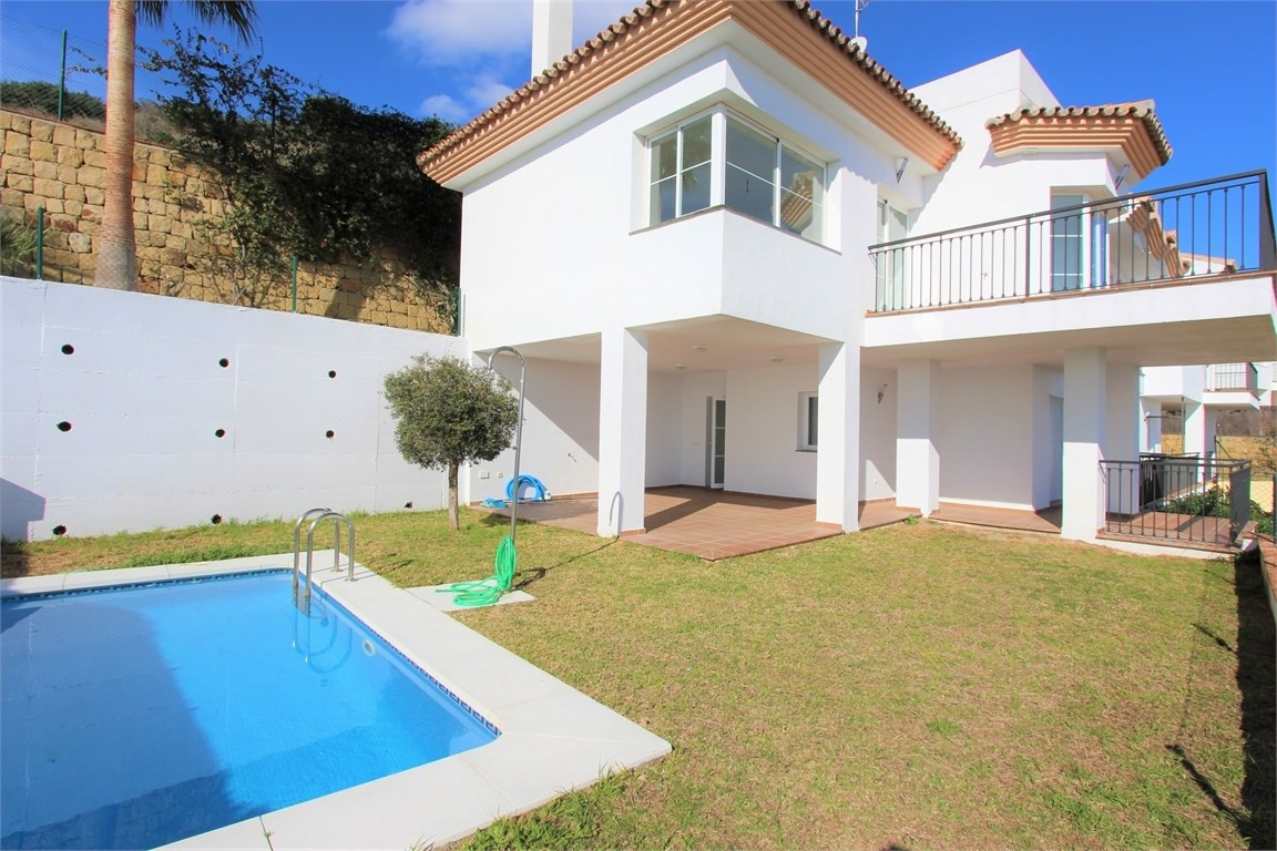 Townhouses for sale a quiet area of  Riviera del Sol in Mijas Costa, 15 min far form Fuengirola and ,Spain