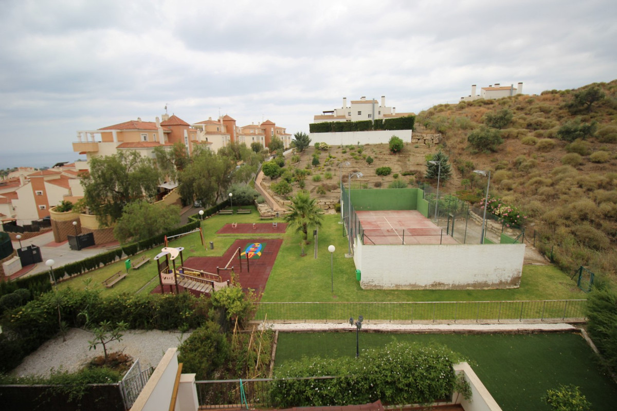 Beautiful and spacious apartment Anoreta overlooking the sea. This apartment has a living room with ,Spain