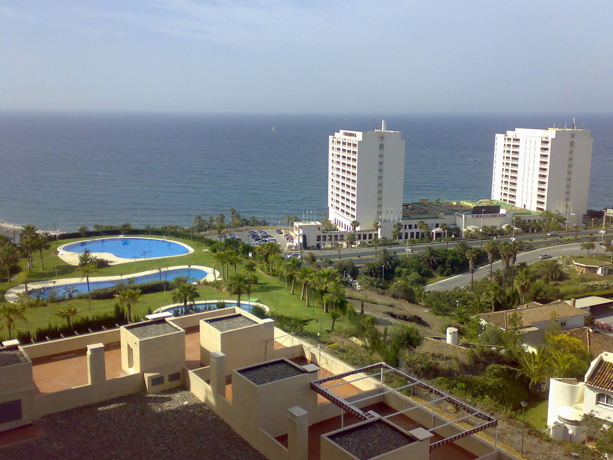 MAGNIFICENT FLAT CLOSE TO THE BEACH, TORREQUEBRADA. URB. THE COLOSSUS. BENALMADENA. This apartment i, Spain