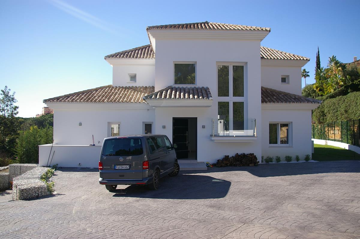 A delightful new villa situated in Elviria 5 minutes from the main road and all other amenities. Thi, Spain
