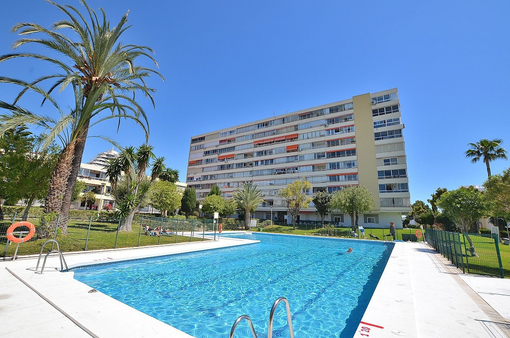 DRASTIC REDUCTION FROM 289.000 € to 219.000 € FOR A QUICK SALE!  SPECTACULAR TOP FLOOR APARTMENT WIT,Spain