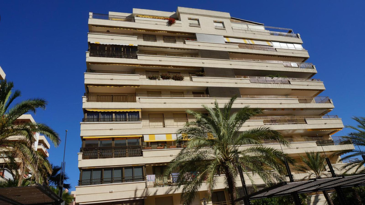 This apartment is located on Avenida del Mar, along the promenade and Alameda Park, which has all ki,Spain