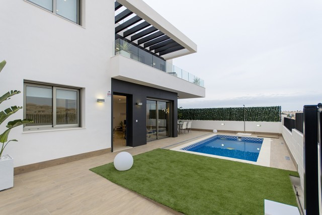 Modern villa located in Orihuela Costa,  just a few minutes from the main services, the golf court o, Spain