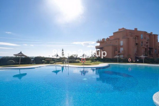 Penthouse, La Duquesa, Costa del Sol. 5 Bedrooms, 3 Bathrooms, Built 263 m², Terrace 80 m².  Setting,Spain