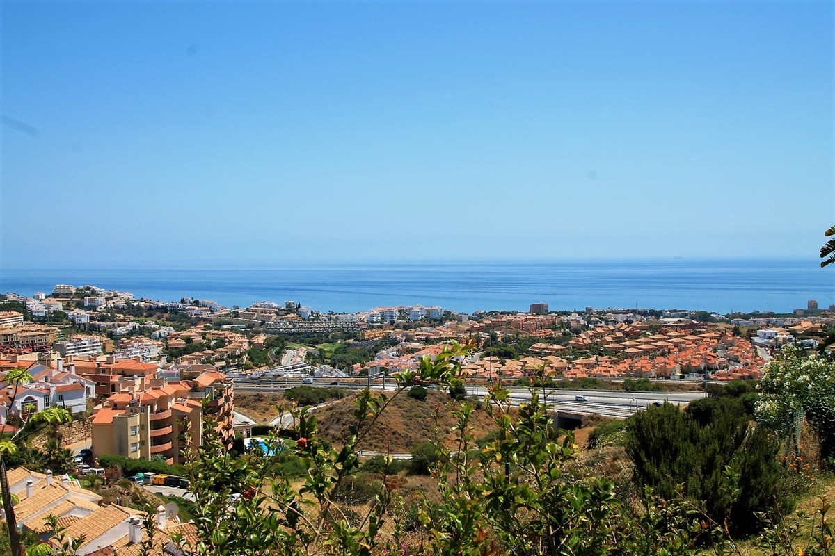 Recently renovated Semi-Detached Villa in Riviera Garden Hills with lovely sea & mountain views., Spain