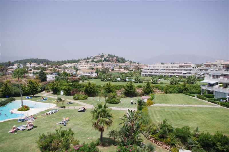 PRICE DROP ALERT!!! A LUXURIOUS 6 BEDROOM, 3 BATHROOM PENTHOUSE APARTMENT IN A FANTASTIC COMPLEX.  T,Spain
