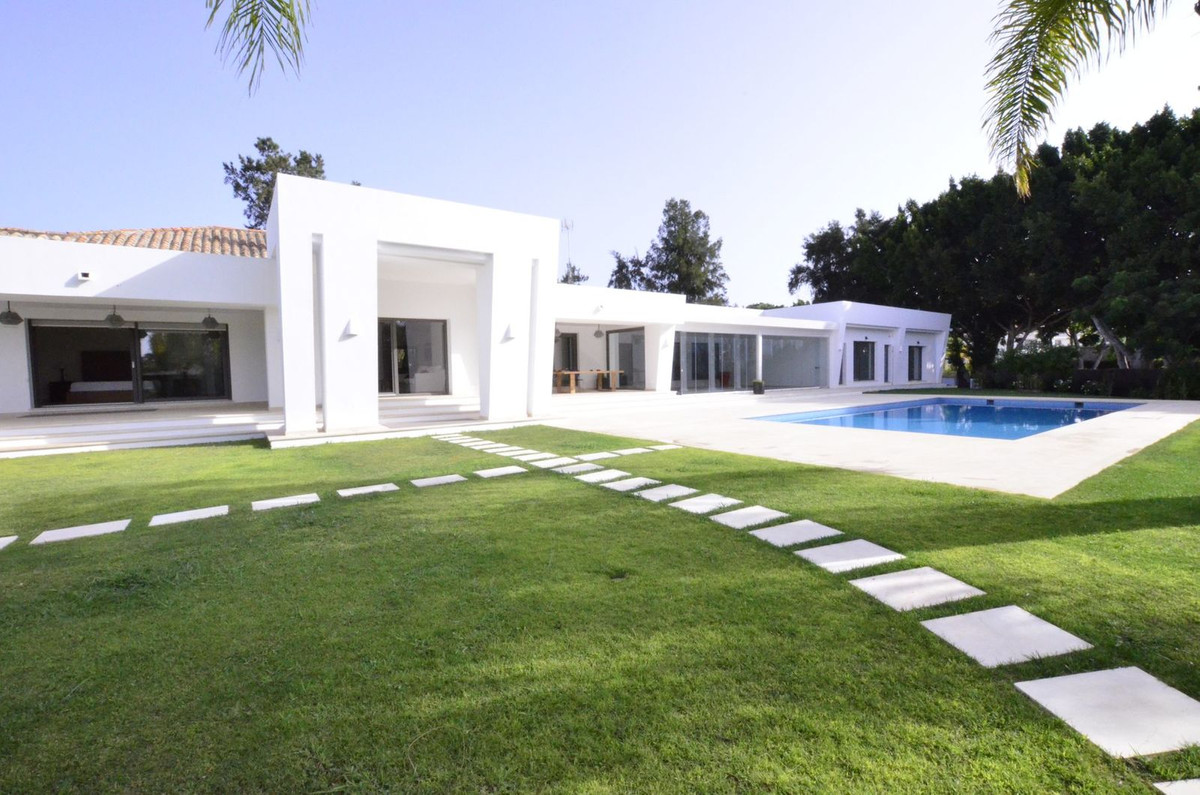 A unique property located in the prestigious Sotogrande Costa area with 7 bedrooms, huge home office, Spain