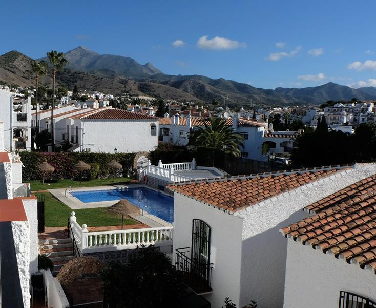 A very popular and sought after complex. Verano Azul, is close to the center of Nerja and Burriana b,Spain