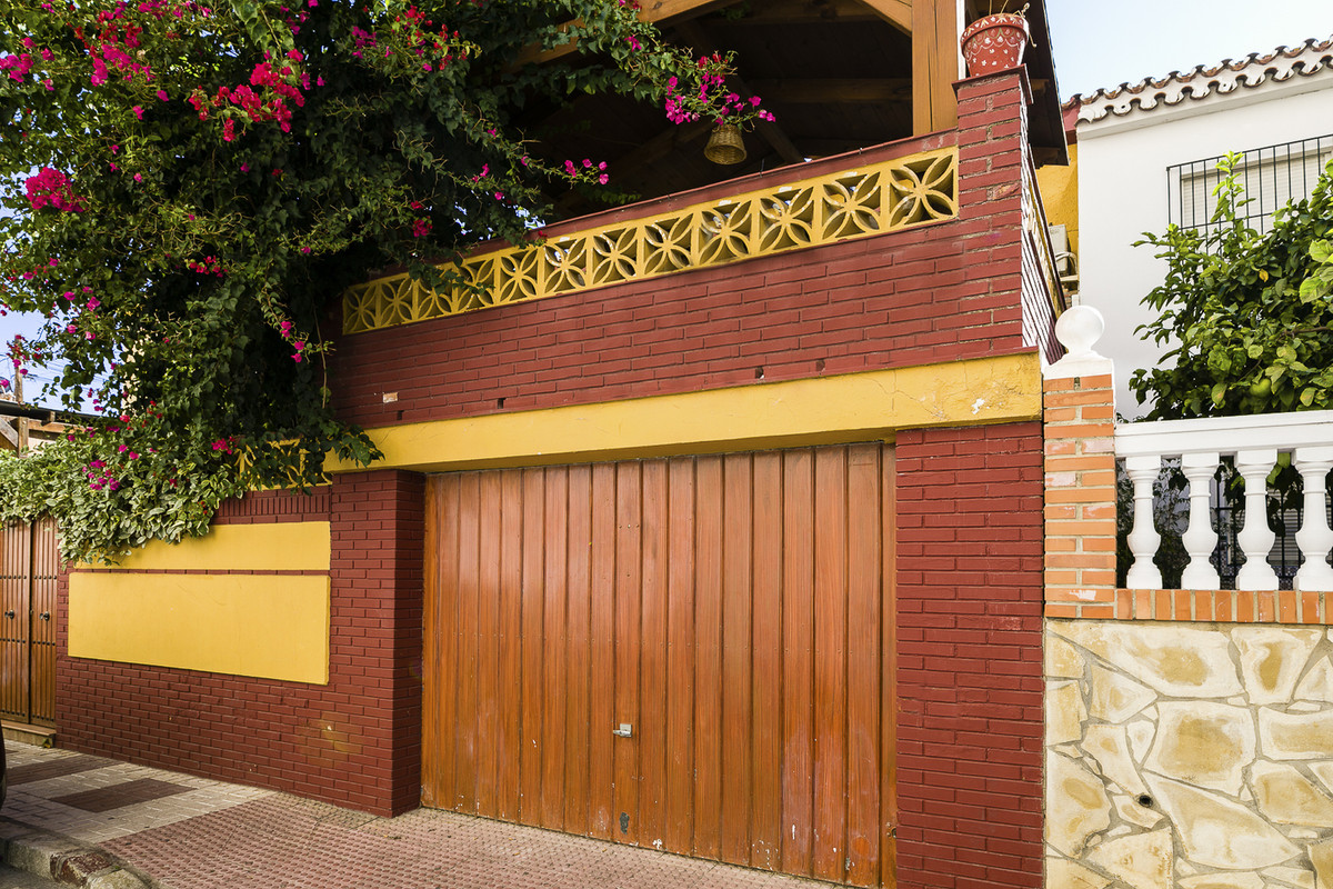 Magnificent townhouse in Malaga city. !  The property is surrounded by all kinds of services, shops,,Spain