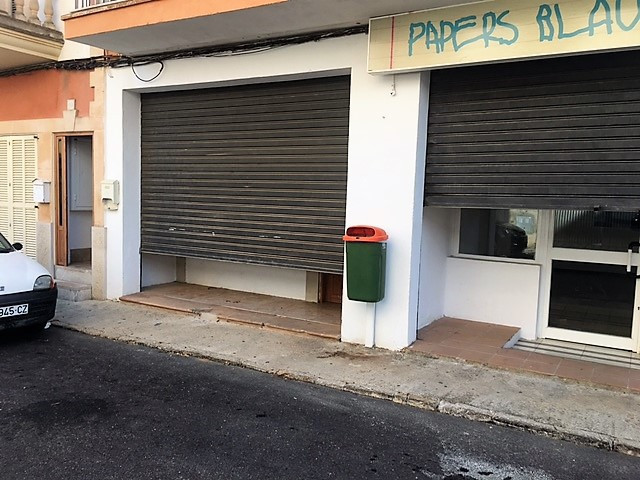 Ground floor in Consell for business, also can be converted into housing has 60 m2 with two separate,Spain