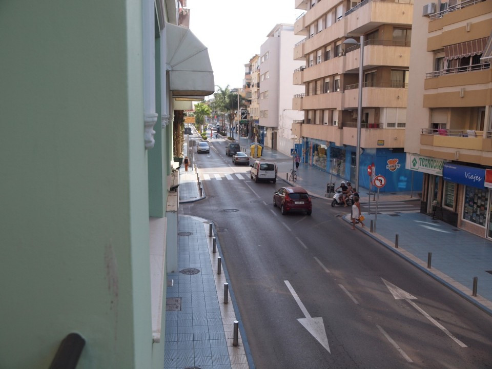Opportunity to make a shop in the Centre of Torre del Mar. It is on a first floor with elevator, ide,Spain