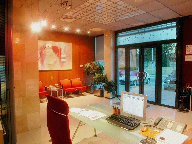 Spectacular office in the center of Torre del Mar. The office has a large entrance hall with recepti, Spain