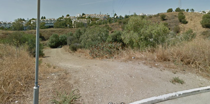 Fantastic plot in Mijas Costa, with spectaculars panoramic sea views.  For example, to build 16 town, Spain