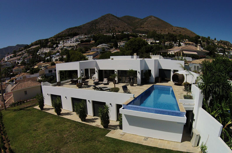 Unique newly built luxury villa in the exclusive Benalmadena placed between the two amazing cities a,Spain