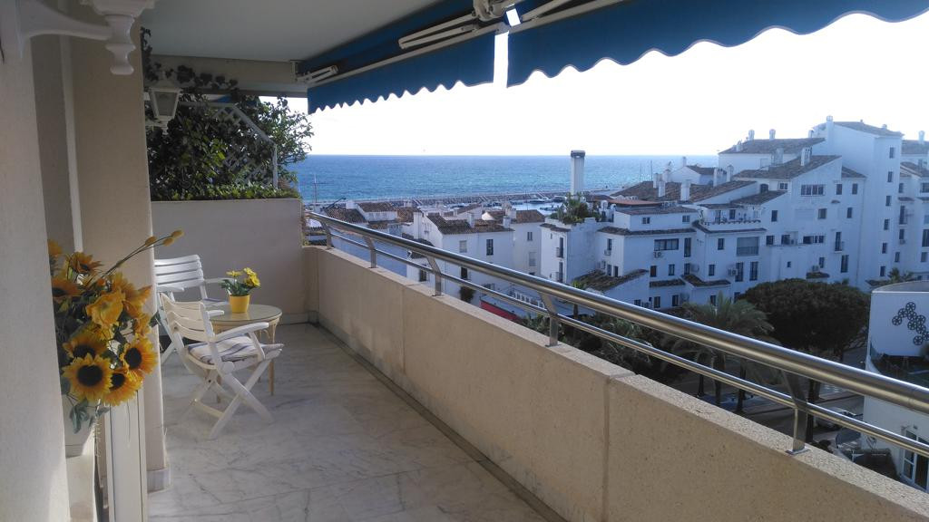 Top floor 2 bed 2 bath apartment with sea views in Marina Banus, Bloque 4 walking distance to the be, Spain